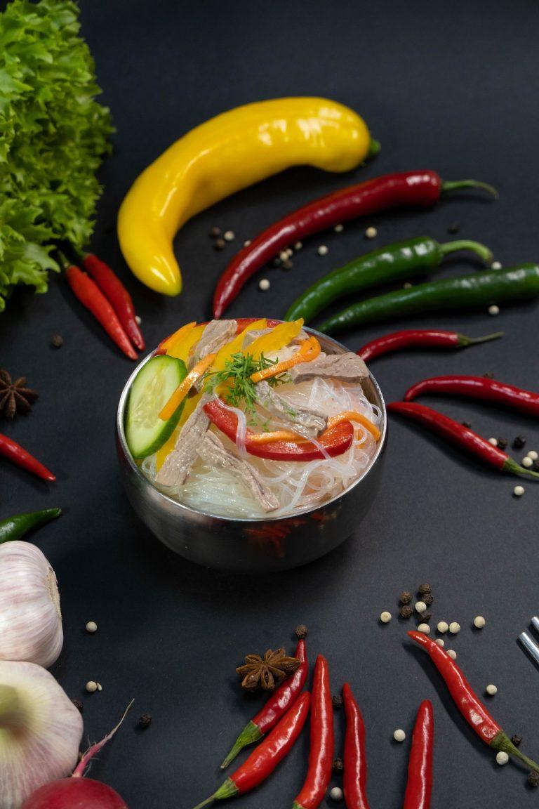 salat-iz-funchezy-s-mjasom
